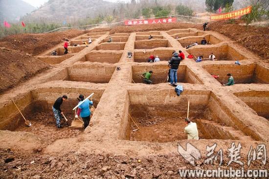 郧县考古发现20余件石