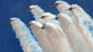 新加坡航空展呈献特技飞行